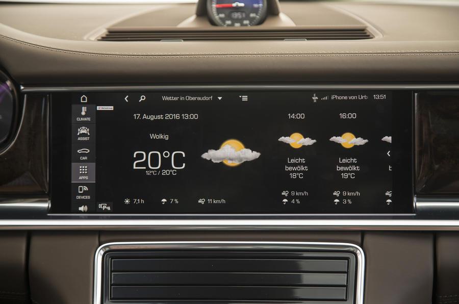 Porsche Panamera 4S Diesel infotainment system