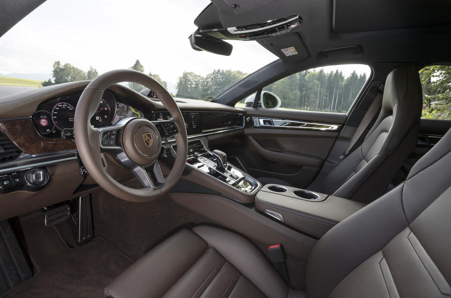 Porsche Panamera 4S Diesel front seats