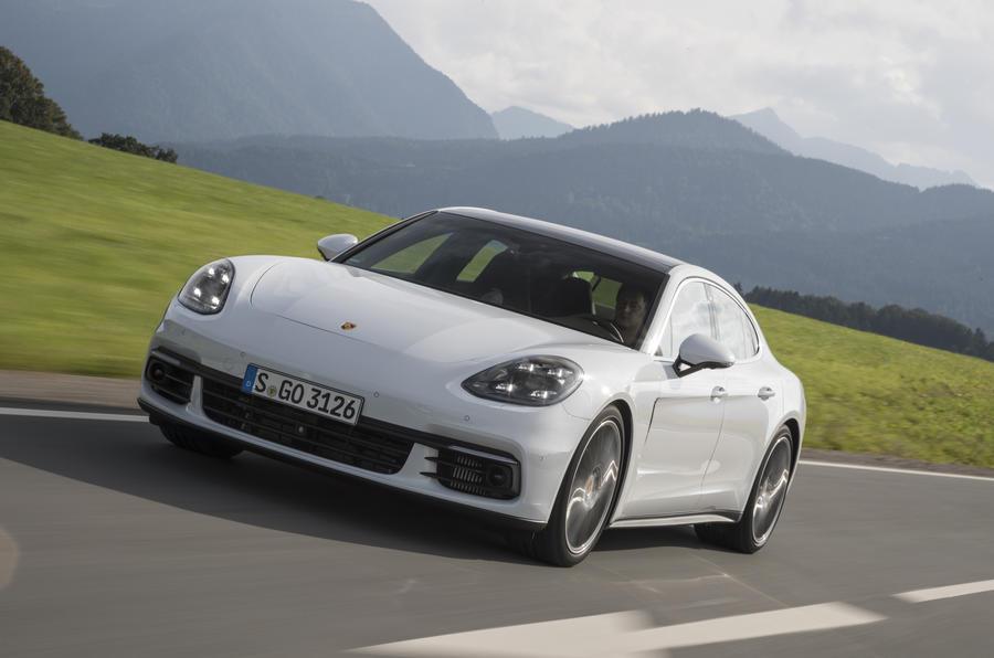 Porsche Panamera 4S Diesel front quarter