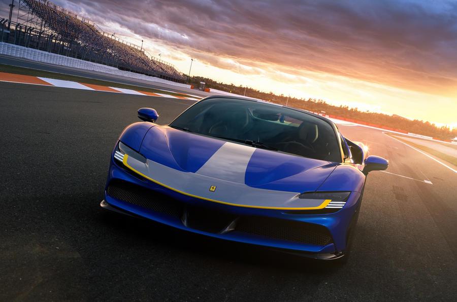 2020 Ferrari SF90 Spider - front