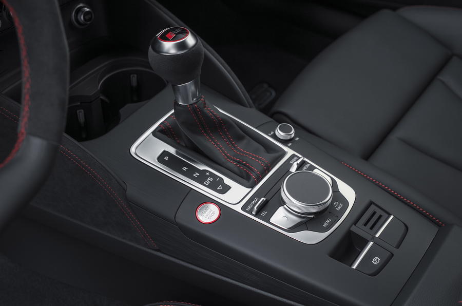 Audi RS3 Sportback S-tronic gearbox