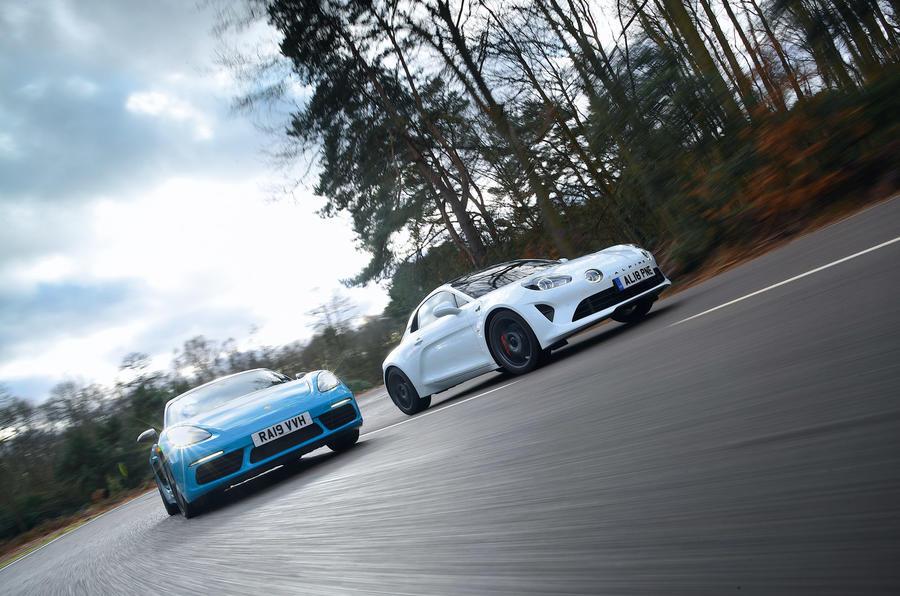 Alpine vs Porsche - hero front