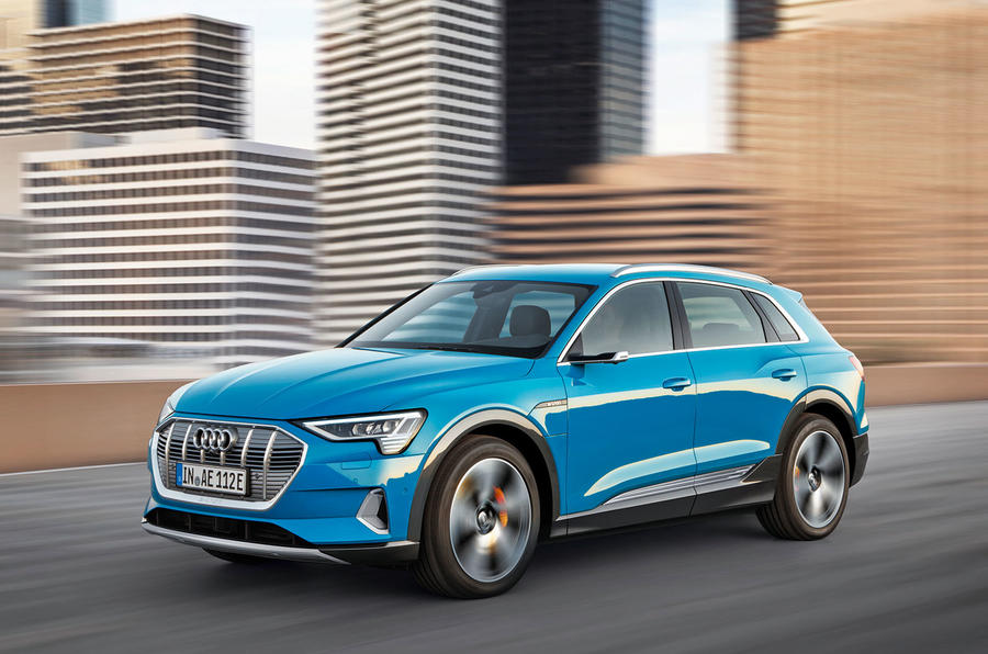 Audi E-tron 2019 official reveal action front