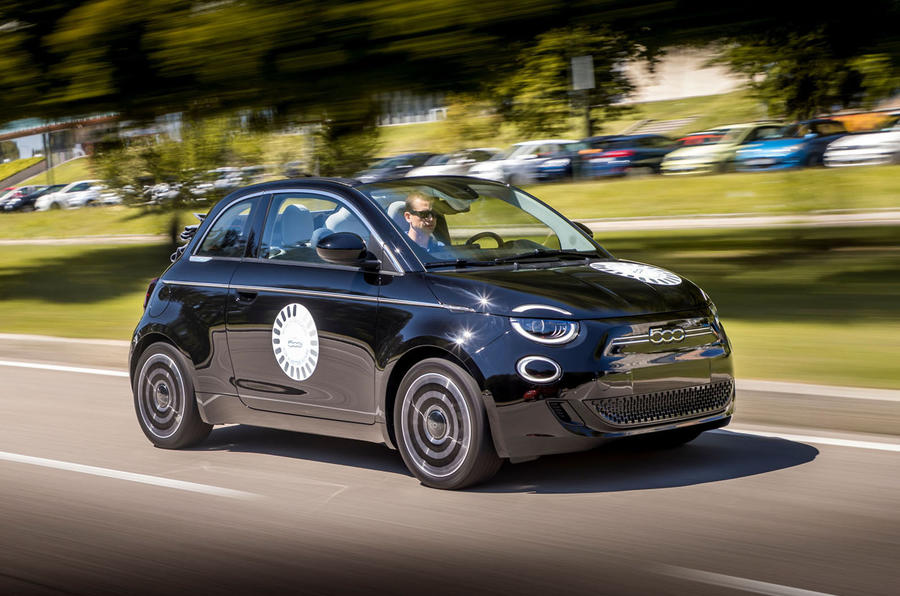 Fiat 500 electric 2021 first drive review - hero front
