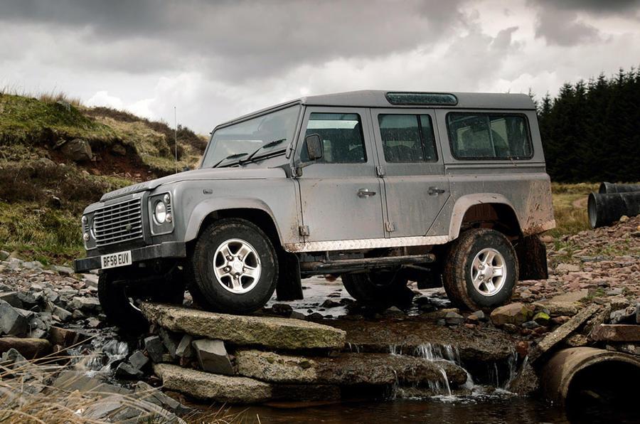 Land Rover Defender - hero side