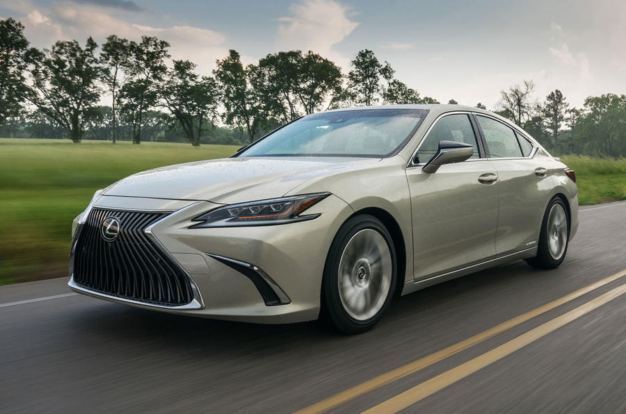 Lexus ES 300h 2018 review hero front