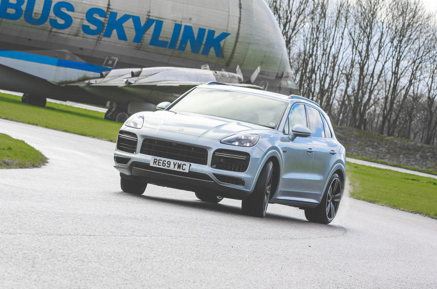 Porsche Cayenne Turbo S E-Hybrid 2020 UK first drive review - front