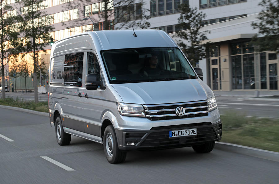volkswagen e crafter 2018 review autocar. Black Bedroom Furniture Sets. Home Design Ideas