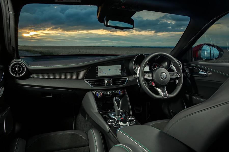 Alfa Romeo Giulia Quadrifoglio 2020 UK first drive review - dashboard