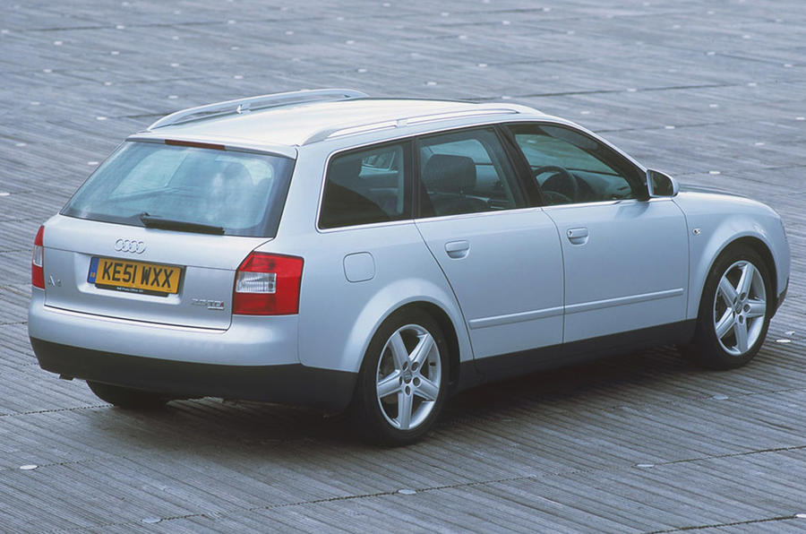 Audi A4 Avant - static rear