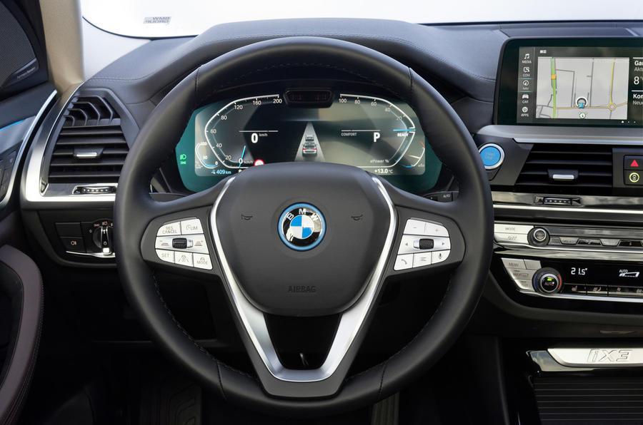 BMW iX3 2020 : premier bilan de conduite - volant