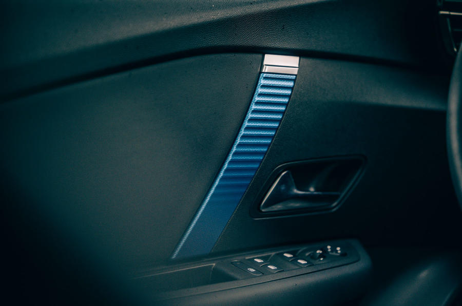 Citroen e C4 2020 LHD first drive review - door cards