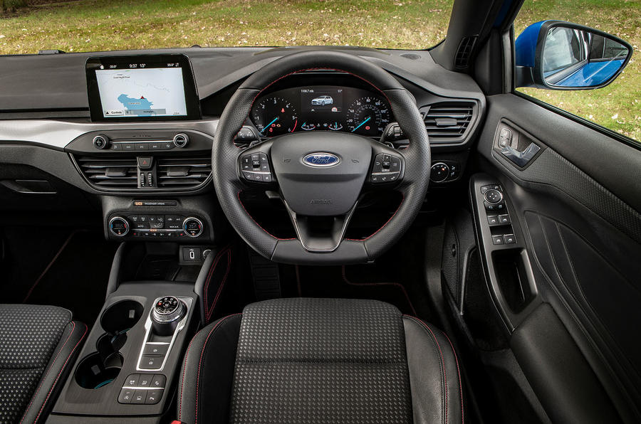 Ford Focus ST-Line 182PS 2018 UK first drive review - dashboard