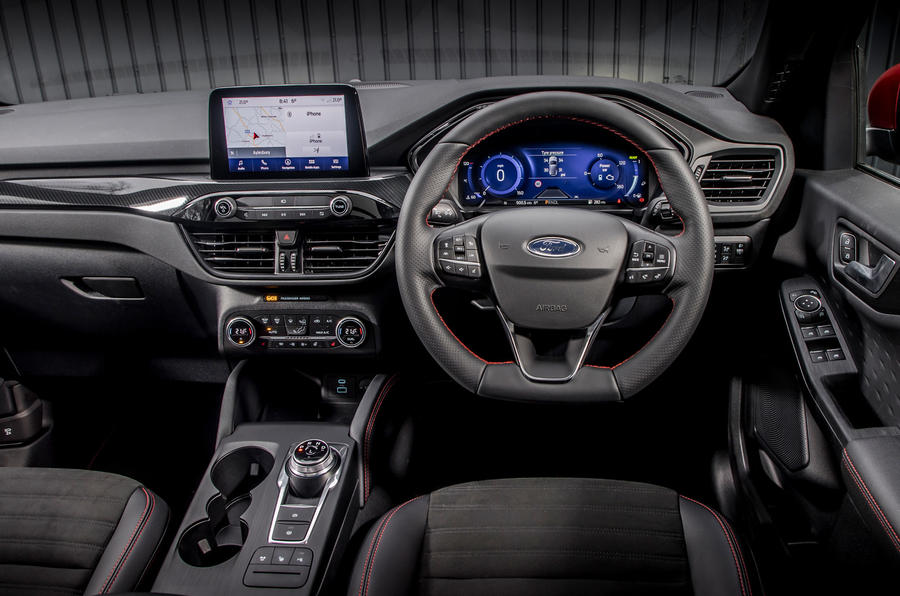 10 Ford Kuga FHEV 2021 UE FD tableau de bord