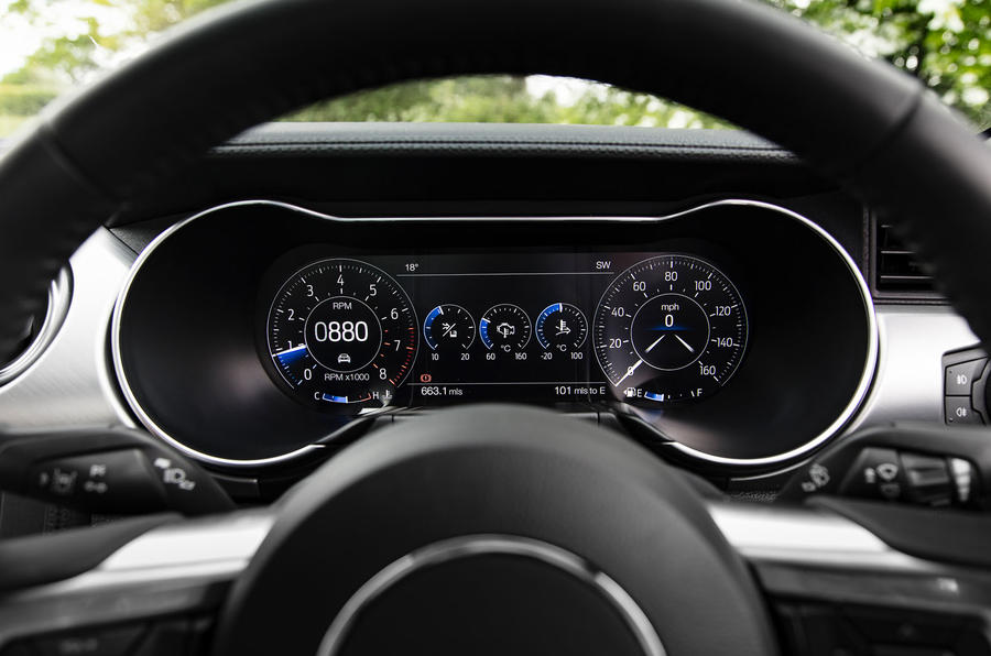Ford Mustang GT 5.0 2018 UK review instrument cluster