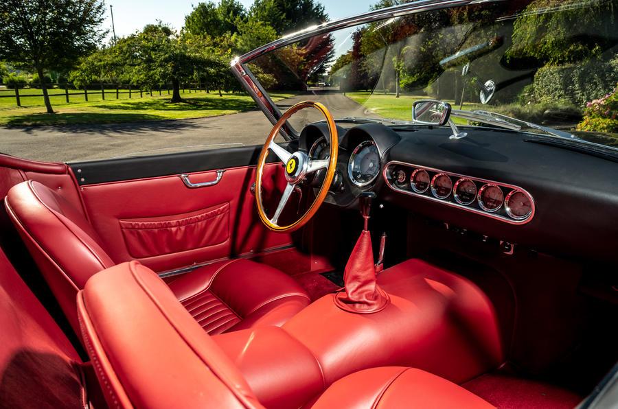 10 GTO California Spyder revival 2021 UE FD habitacle