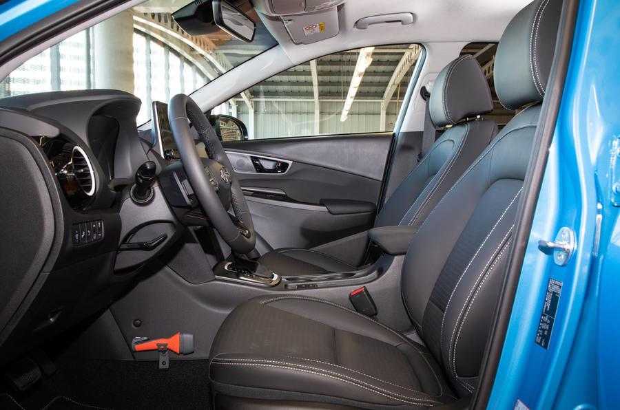 Hyundai Kona Hybrid 2019 first drive review - front seats