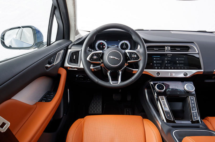 Jaguar I-Pace 2018 review dashboard