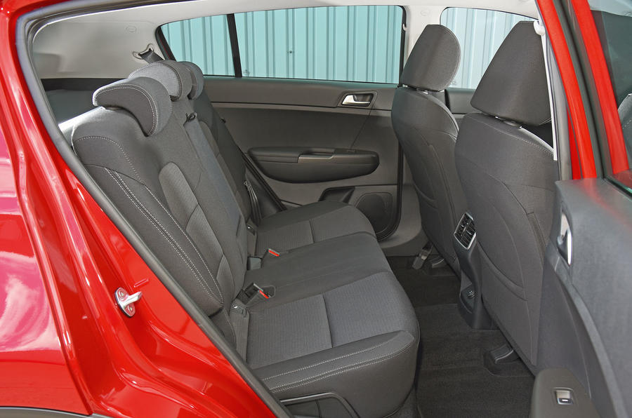 Kia Sportage 1.6 GDI '2' 2018 UK first drive rear seats