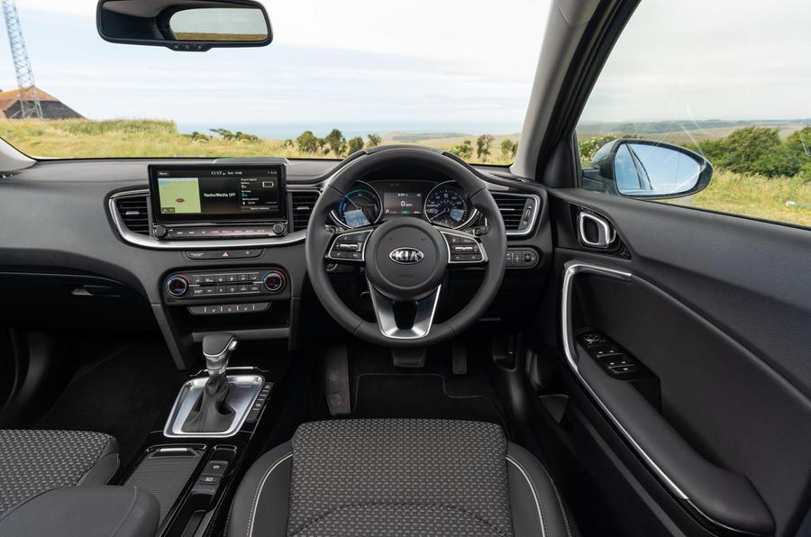 Kia Xceed plug-in hybrid 2020 UK first drive review - dashboard