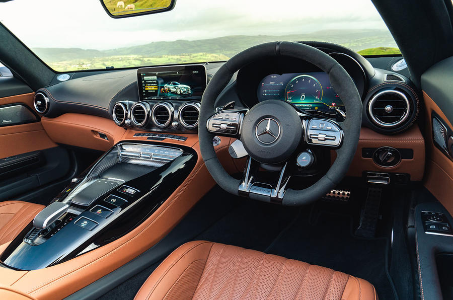 Mercedes-AMG GT R Roadster 2019 UK first drive review - dashboard