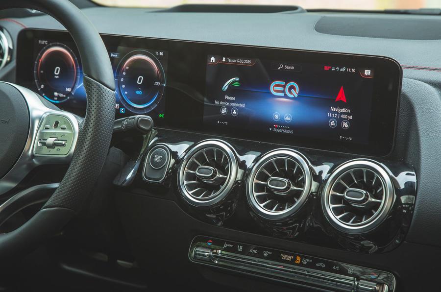 10 Mercedes Benz EQA 2021 : premiers instruments d'examen de la conduite au Royaume-Uni