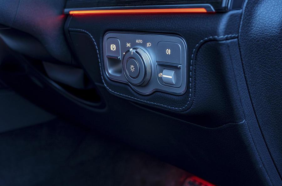 Mercedes-Benz GLS 400d 2019 UK first drive review - light controls