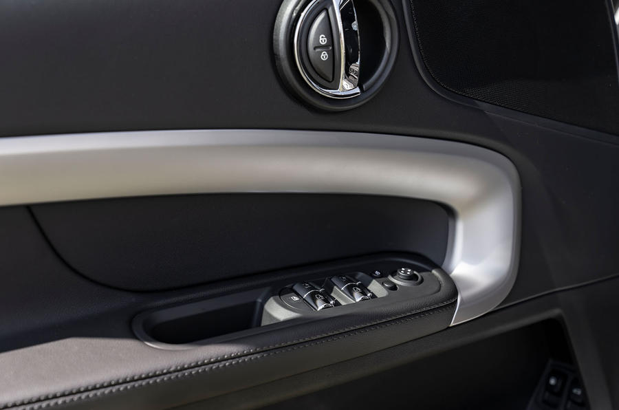 Mini Countryman Cooper S E All4 2020 first drive review - window controls
