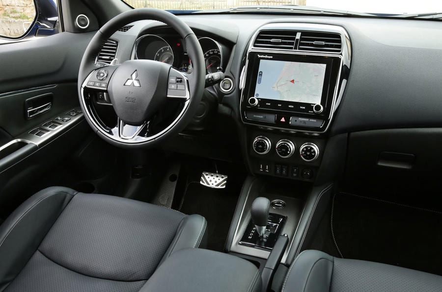 Mitsubishi ASX 2019 first drive review - steering wheel