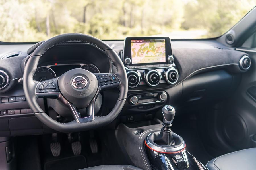 Nissan Juke 2019 first drive review - dashboard
