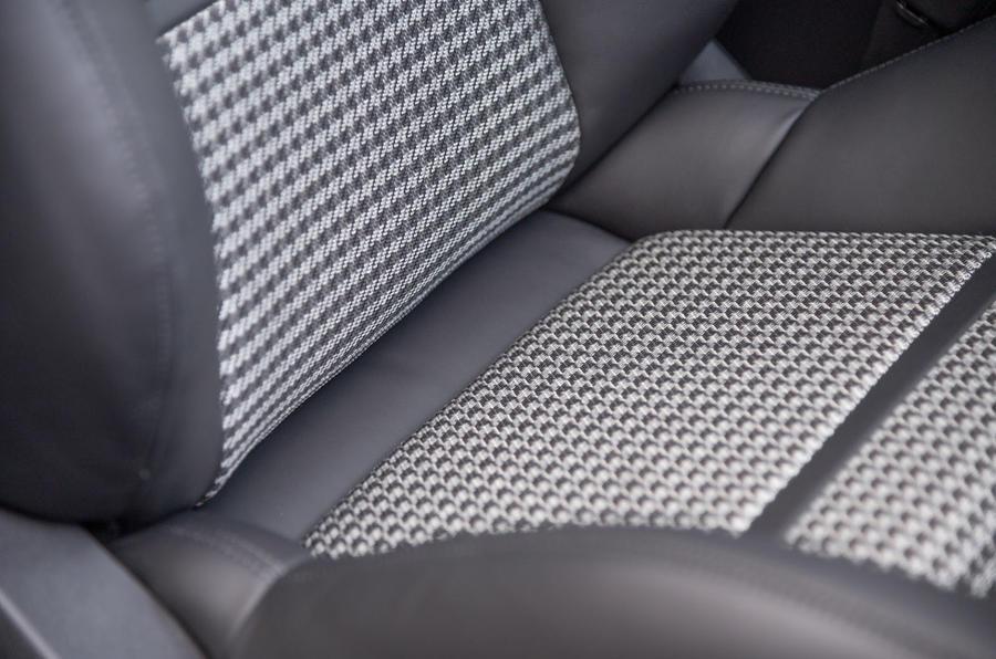Porsche Cayenne Coupé 2019 first drive review - seat details