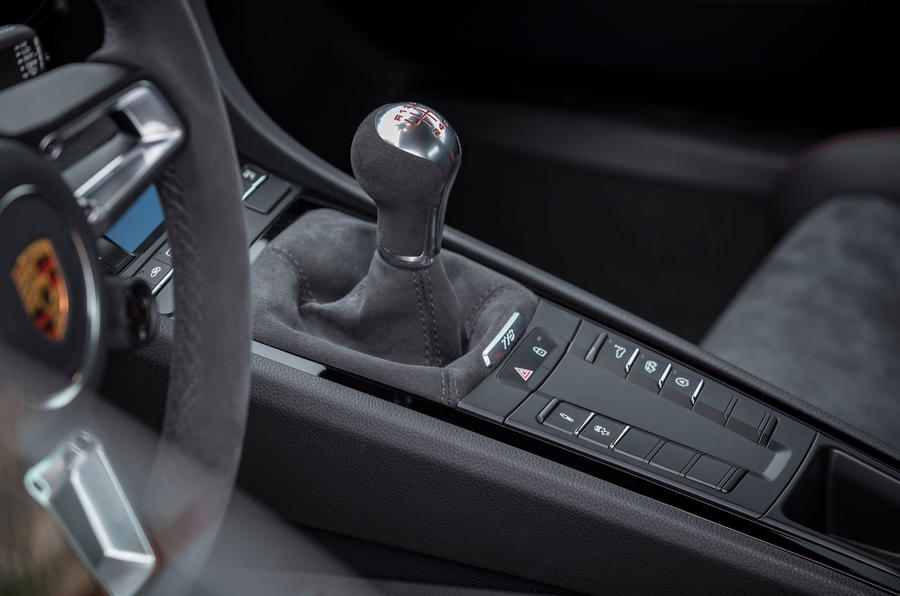 Porsche Cayman T 2019 first drive review - gearstick