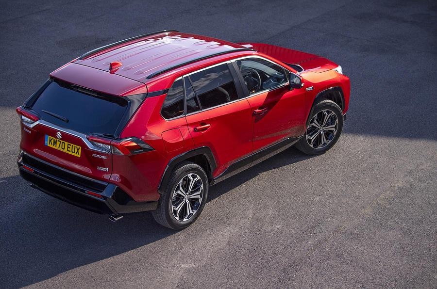 Suzuki Across Hybrid 2020 : premier bilan de la conduite au Royaume-Uni - statique à l'arrière
