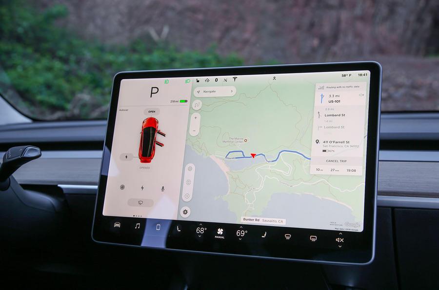 Tesla Model 3 2018 review infotainment Sat-nav