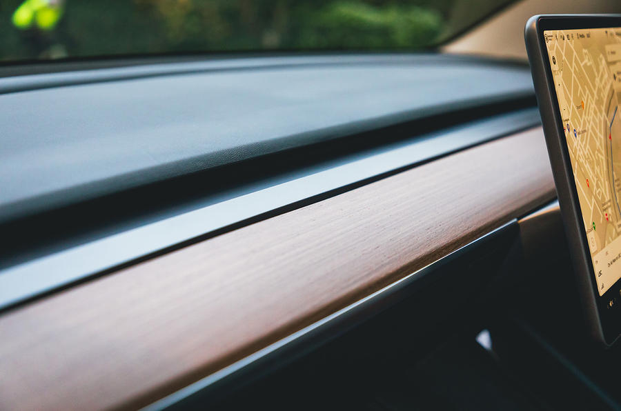 Tesla Model 3 Standard plus 2020 UK first drive review - interior trim