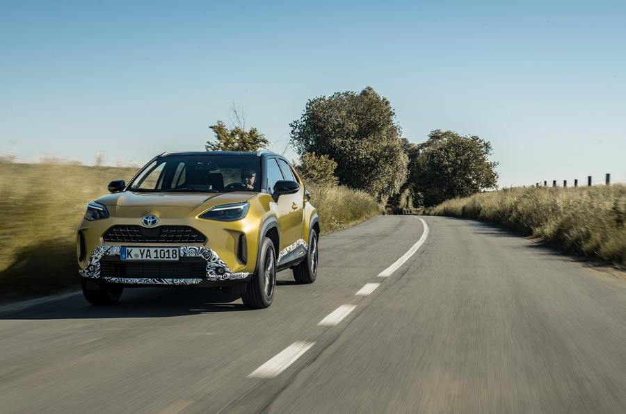 10 Toyota Yaris Cross 2021 UE LHD preprod tracking avant