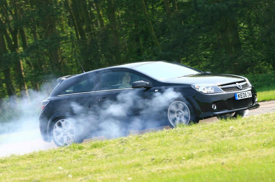 Vauxhall Astra VXR - hero side
