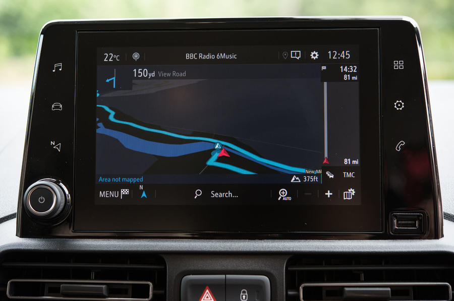 Vauxhall Combo Life 2018 UK first drive review infotainment