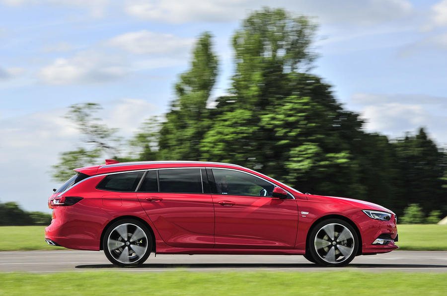 Vauxhall Insignia Sports Tourer 2018 UK first drive review - on the road side