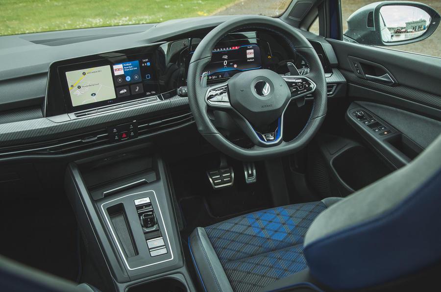 10 Volkswagen Golf R performance pack 2021 UE FD tableau de bord