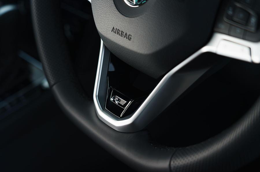 Volkswagen passat Estate R Line 2019 UK review - steering wheel