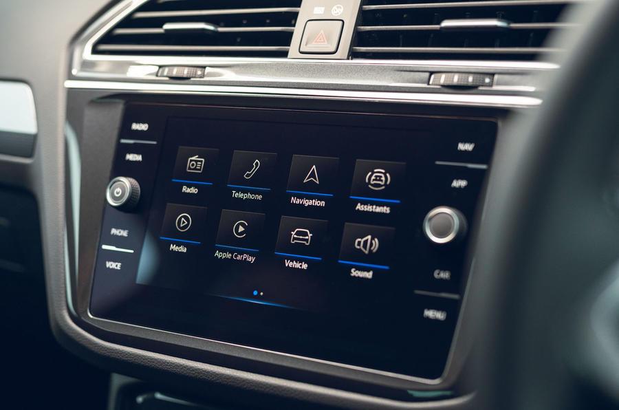 Volkswagen Tiguan Life 2020 : premier bilan de conduite au Royaume-Uni - infotainment