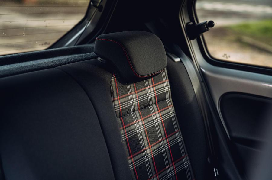 Volkswagen Up GTI 2020 : premier bilan de conduite au Royaume-Uni - sièges arrière