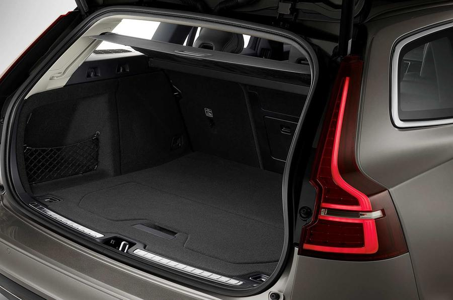 Volvo V60 2018 review boot