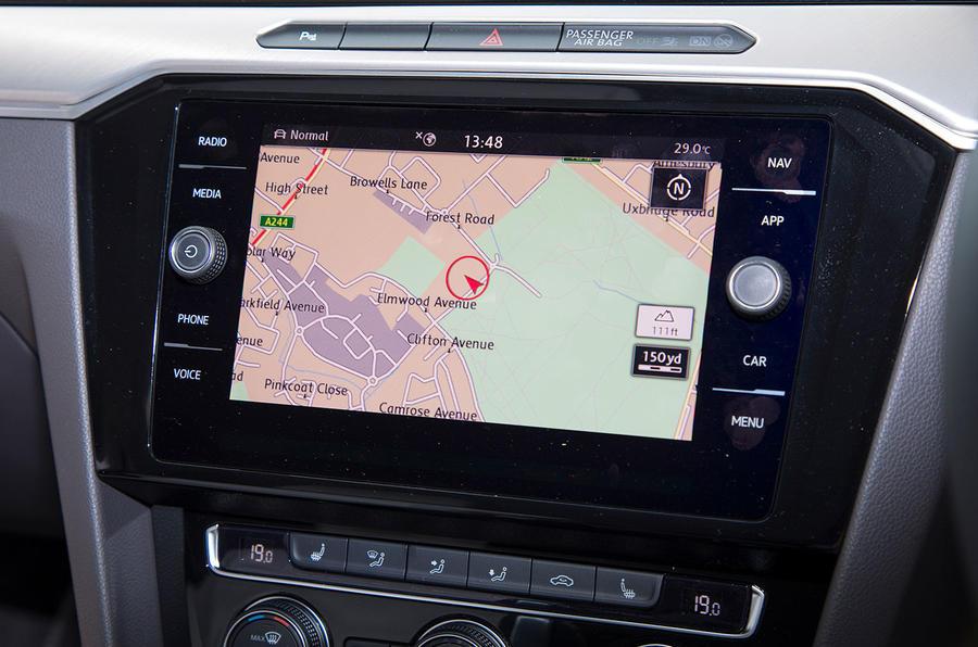 Volkswagen Arteon 2018 long-term review infotainment