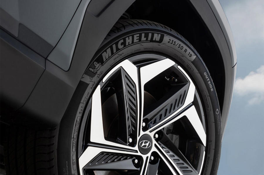 Hyundai Tuscon - wheel