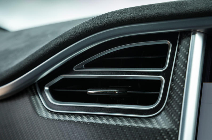 Tesla Model S 100D air vents