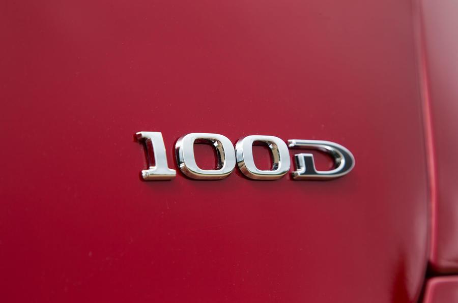 Tesla Model S 100D badging