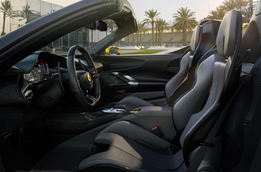 2020 Ferrari SF90 Spider - interior