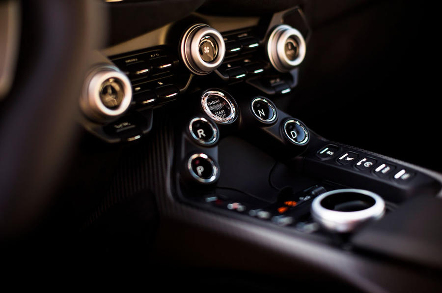 Aston Martin Vantage gear selection